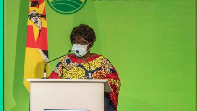 1ª Dama da República quer mais impacto na consciencialização da Sociedade Moçambicana sobre o Papel da Mulher Rural no Desenvolvimento do Pais.