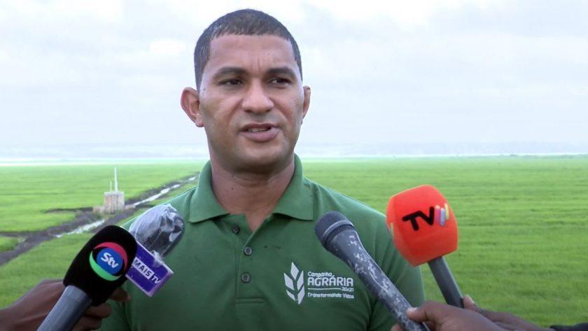 Regadio do Baixo Limpopo: Ministro Celso Correio impressionado com o verde de novos campos agrícolas
